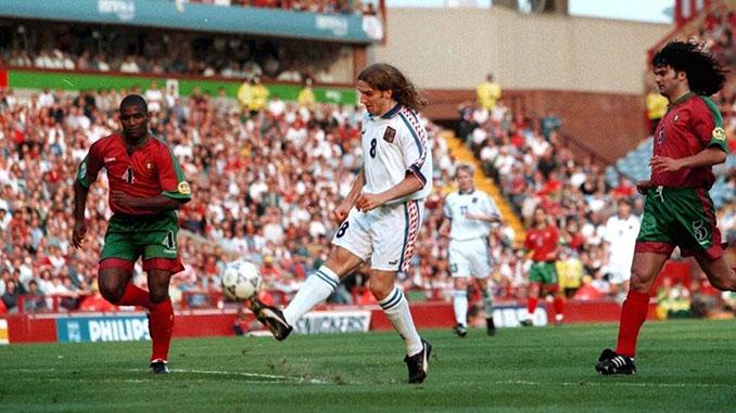 """La """"cuchara"""" de"""" Poborsky dio la victoria a la República Checa ante Portugal en 1996 - Odio Eterno Al Fútbol Moderno"""