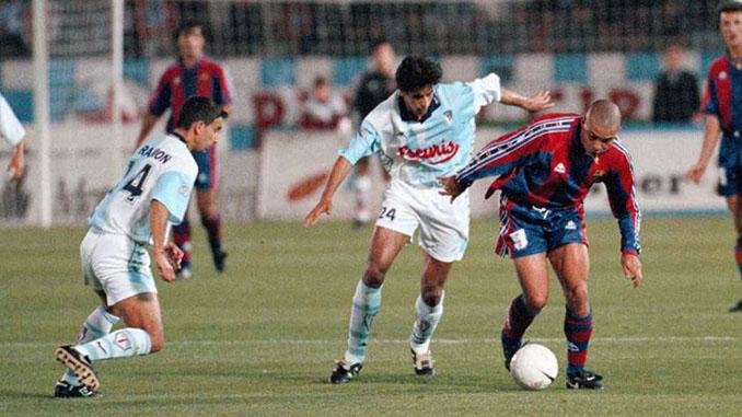 El gol de Ronaldo al Compostela fue su carta de presentación en España - Odio Eterno Al Fútbol Moderno