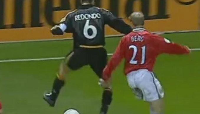 Taconazo de Redondo en Old Trafford - Odio Eterno Al Fútbol Moderno