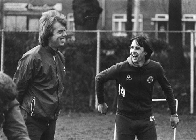 Leo Beenhakker y Johan Cruyff en el Ajax de Ámsterdam - Odio Eterno Al Fútbol Moderno