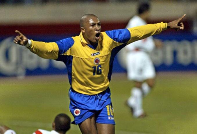 Congo celebra un gol con Colombia - Odio Eterno Al Fútbol Moderno