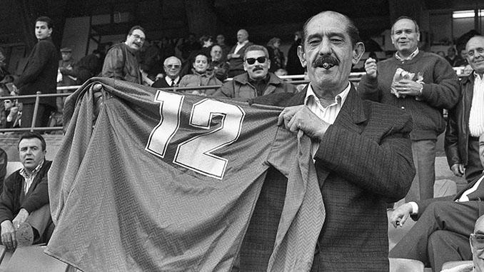 El Panadero de Archena con la camiseta del Real Murcia - Odio Eterno Al Fútbol Moderno