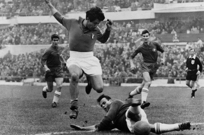 """La """"azzurra"""" se llenó de """"oriundi"""" para el Mundial 1934 - Odio Eterno Al Fútbol Moderno"""