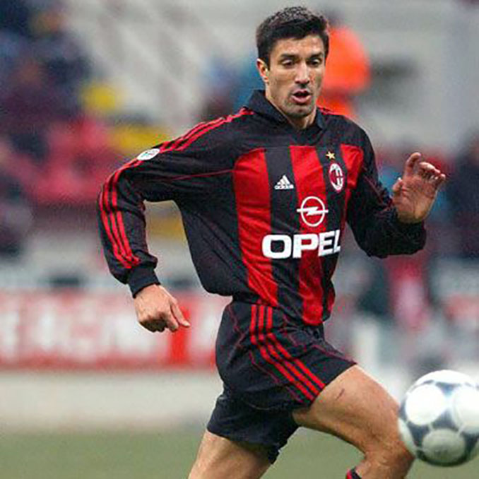Chamot con la camiseta del AC Milan - Odio Eterno Al Fútbol Moderno