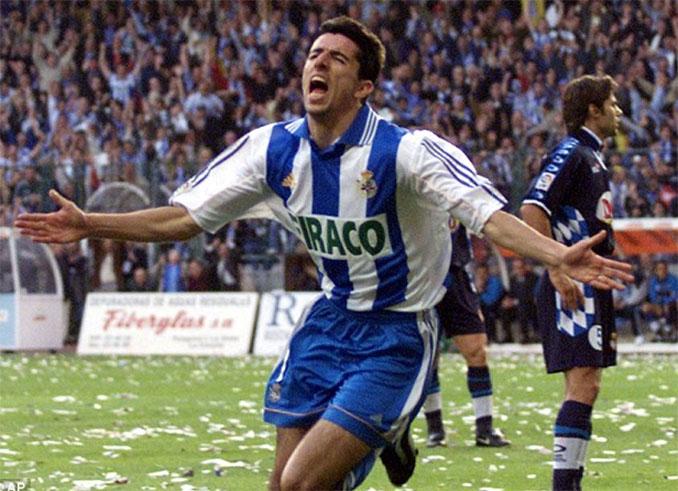 Makaay celebrando su gol al RCD Espanyol en la Liga 99-00 - Odio Eterno Al Fútbol Moderno