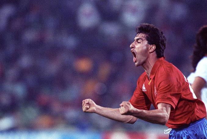 """Michel celebrando con el famoso """"Me lo merezco"""" uno de sus goles a Corea del Sur - Odio Eterno Al Fútbol Moderno"""
