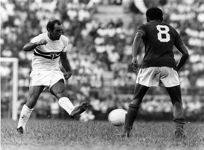 Gerson jugando en Sao Paulo - Odio Eterno Al Fútbol Moderno