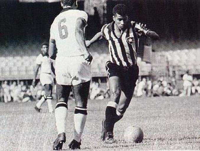 Jairzinho jugando con Botafogo
