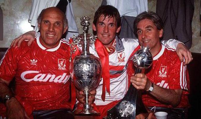 Kenny Dalglish era entrenador y jugador en la última Liga del Liverpool - Odio Eterno Al Fútbol Moderno