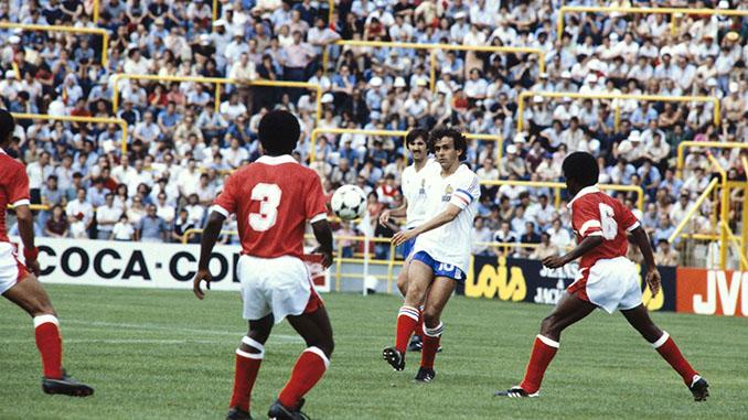 Platini durante el Francia vs Kuwait de 1982 - Odio Eterno Al Fútbol Moderno
