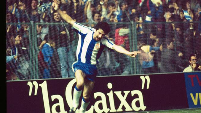 """""""Pichi"""" Alonso celebra un gol en la Copa de la UEFA 1987-1988 - Odio Eterno Al Fútbol Moderno"""