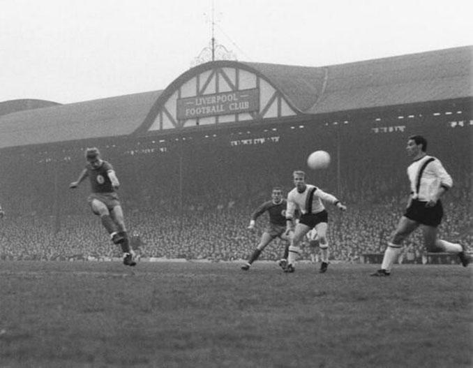 Uno de los primeros partidos del Liverpool FC en Anfield - Odio Eterno Al Fútbol Moderno