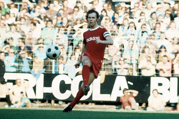 Franz Beckenbauer jugó 14 años en el Bayern de Múnich - Odio Eterno Al Fútbol Moderno