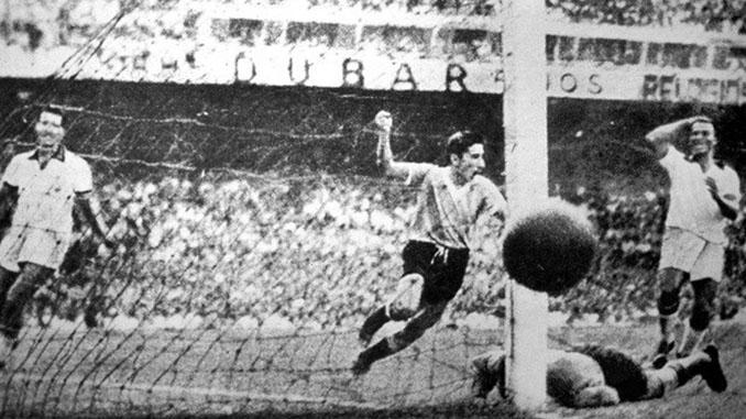 Ghiggia marcó el segundo gol para Uruguay en el Maracanazo - Odio Eterno Al Fútbol Moderno