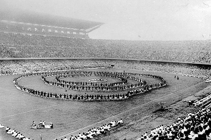 Inauguración del Camp Nou el 24 de septiembre de 1957 - Odio Eterno Al Fútbol Moderno
