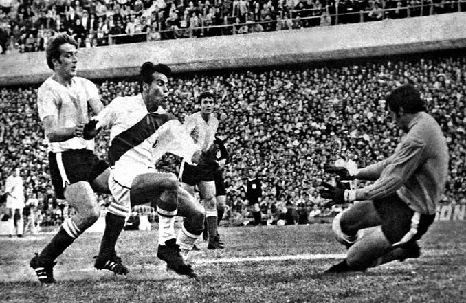 Peru vs Argentina disputado en 1964 en el Estadio Nacional del Perú - Odio Eterno Al Fútbol Moderno