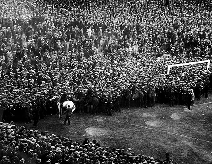 La final de caballo blanco, el primer partido disputado en Wembley - Odio Eterno Al Fútbol Moderno