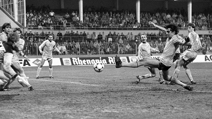 En el milagro de Grotenburg los aficionados locales disfrutaron de 6 goles en apenas 45 minutos - Odio Eterno Al Fútbol Moderno