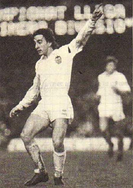García Pitarch con la camiseta del Valencia CF - Odio Eterno Al Fútbol Moderno