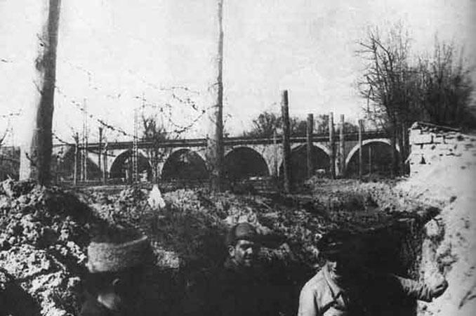 Puente de los Franceses durante la Guerra Civil - Odio Eterno Al Fútbol Moderno