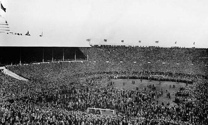 Estadio de Wembley durante la final del caballo blanco - Odio Eterno Al Fútbol Moderno