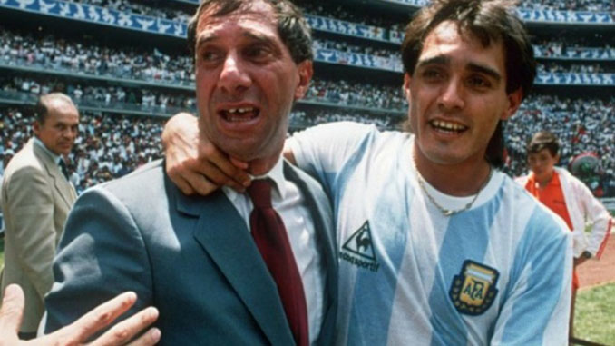 Bilardo celebra la victoria de la Argentina en 1986 - Odio Eterno Al Fútbol Moderno