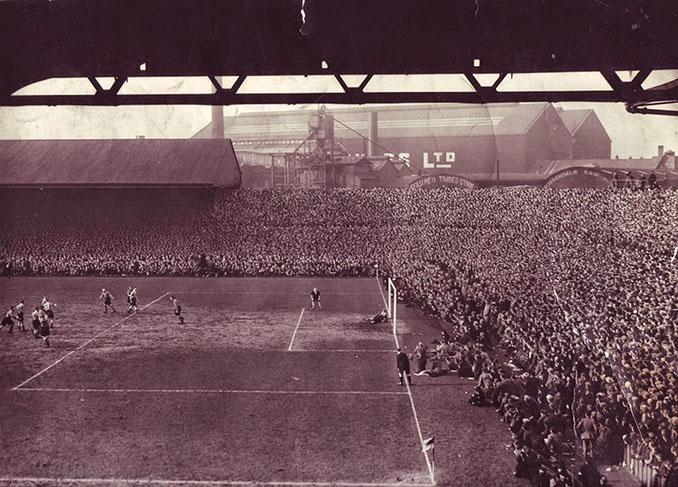 Wolverhampton Wanderers vs Grimsby Town el partido con mayor asistencia en Old Trafford - Odio Eterno Al Fútbol Moderno