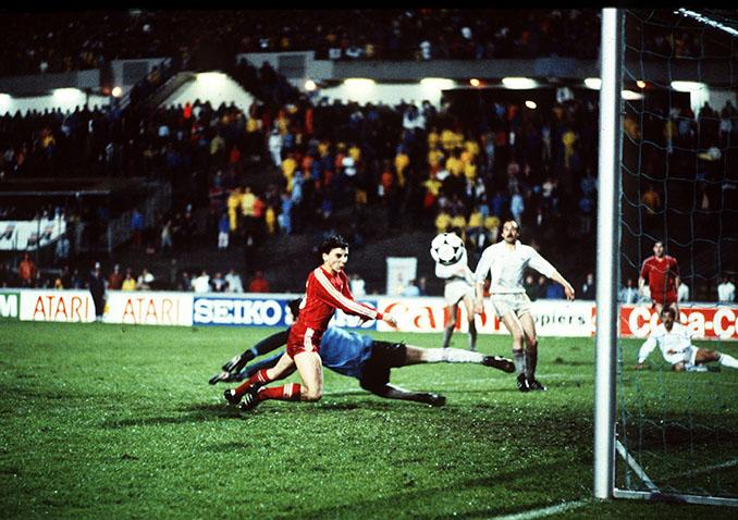 Aberdeen y Real Madrid disputaron la final de la Recopa de Europa en 1983 - Odio Eterno Al Fútbol Moderno