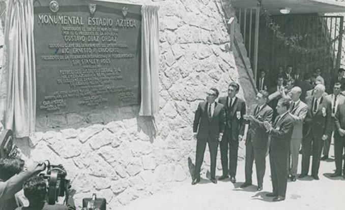 Inauguración del Estadio Azteca el 29 de mayo de 1966 - Odio Eterno Al Fútbol Moderno