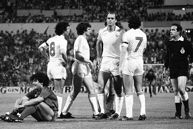 Maradona realizó un gran partido en la final de la Copa del Rey de 1983 - Odio Eterno Al Fútbol Moderno