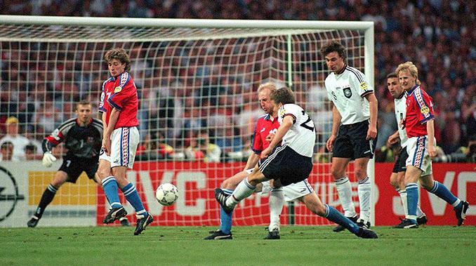 """El """"gol de oro"""" de Bierhoff dio la tercera Eurocopa a Alemania - Odio Eterno Al Fútbol Moderno"""