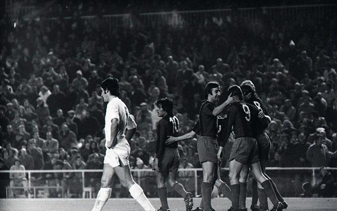 El FC Barcelona ganó 0-5 en el Clásico de 1974 - Odio Eterno Al Fútbol Moderno