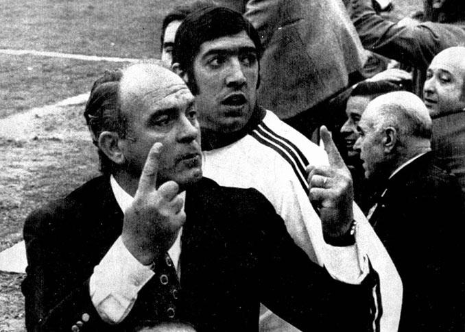 Alfredo di Stéfano en el banquillo del Valencia CF - Odio Eterno Al Fútbol Moderno