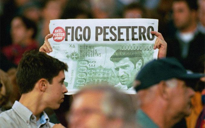 El fichaje de Figo por el Real Madrid desató la ira de la afición culé - Odio Eterno Al Fútbol Moderno