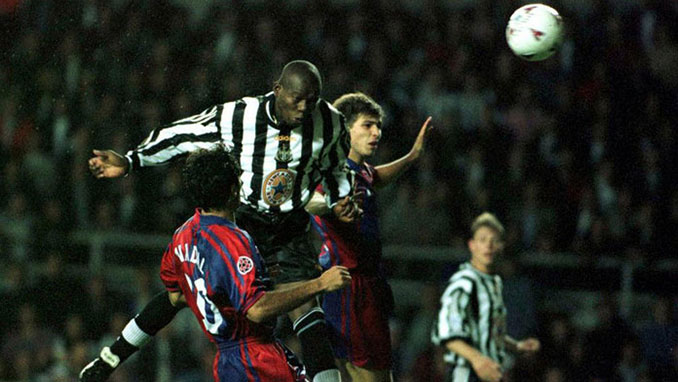 Asprilla lo bordó en el Newcastle vs FC Barcelona de 1997 - Odio Eterno Al Fútbol Moderno
