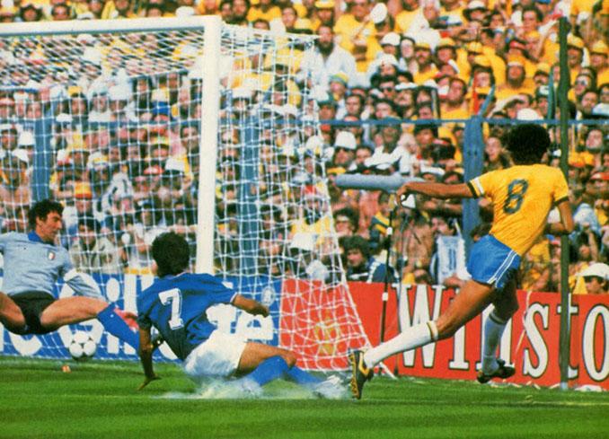 Gol de Sócrates en el Brasil vs Italia de 1982 - Odio Eterno Al Fútbol Moderno