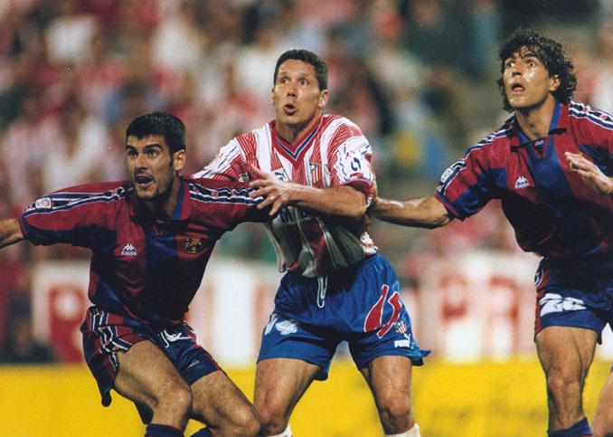 Los Atlético de Madrid vs Barcelona en los 90 fueron sinónimo de espectáculo y goles - Odio Eterno Al Fútbol Moderno