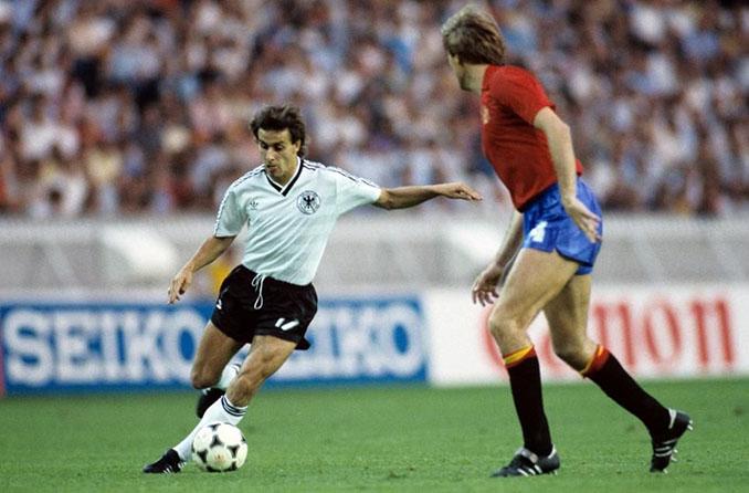 Pierre Littbarski fue el mejor del España vs Alemania del Mundial '82 - Odio Eterno Al Fútbol Moderno