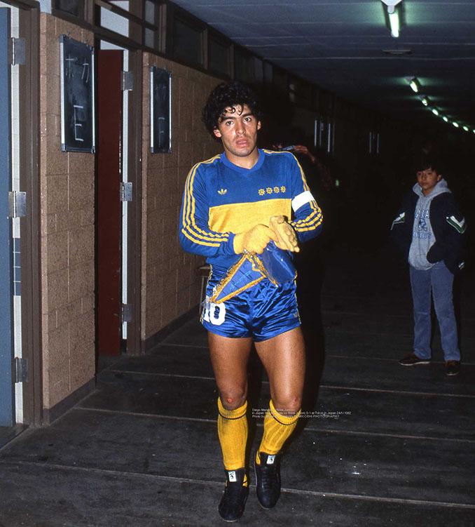 "Diego Maradona con la remera ""Xeneize"" - Odio Eterno Al Fútbol Moderno"