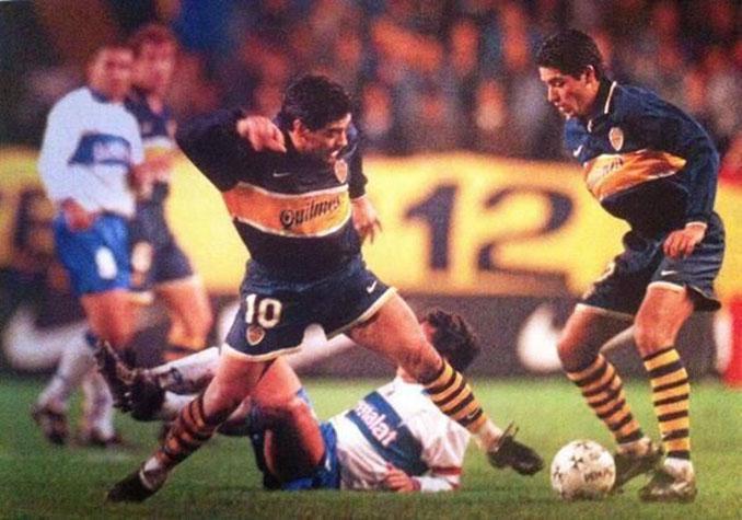 Maradona y Riquelme jugando juntos en Boca Juniors - Odio Eterno Al Fútbol Moderno