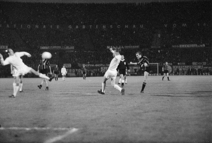 Mazzola marcó dos goles en la final de la Copa de Europa de 1964 - Odio Eterno Al Fútbol Moderno