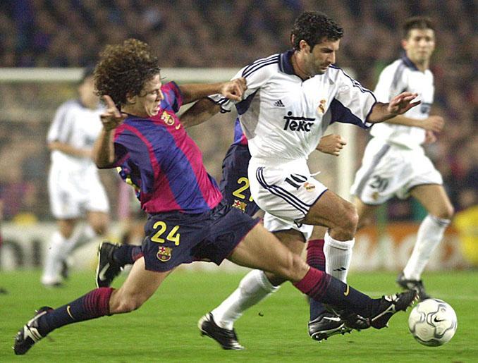 El marcaje de Puyol a Figo es uno de los más recordados en Can Barça - Odio Eterno Al Fútbol Moderno