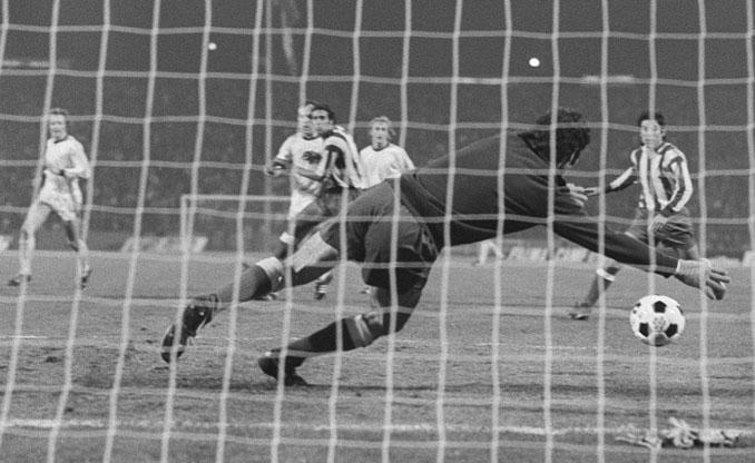 Reina fue protagonista sin quererlo de la final de la Copa de Europa de 1974 - Odio Eterno Al Fútbol Moderno