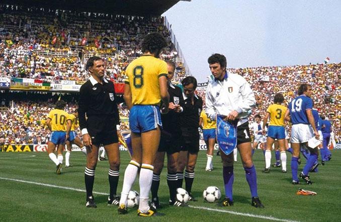 Sócrates y Zoff en los prolegómenos del Brasil vs Italia de 1982 - Odio Eterno Al Fútbol Moderno