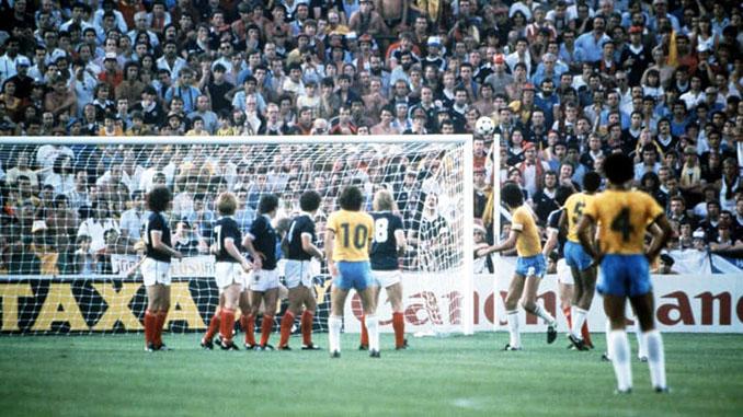 El excepcional gol de Zico a Escocia en el Mundial 1982 - Odio Eterno Al Fútbol Moderno