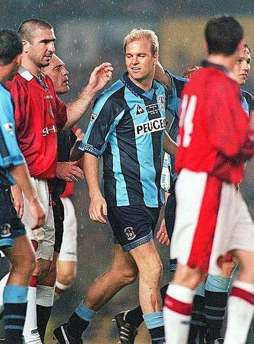 Partido homenaje a David Busst en 1997 - Odio Eterno Al Fútbol Moderno