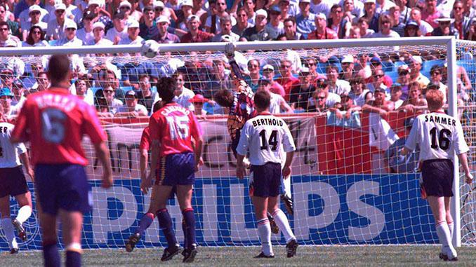 Gol de Goikoetxea a Alemania en el Mundial 1994 - Odio Eterno Al Fútbol Moderno