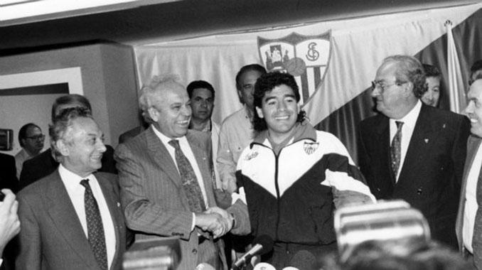 Presentación de Diego Armando Maradona con el Sevilla - Odio Eterno Al Fútbol Moderno