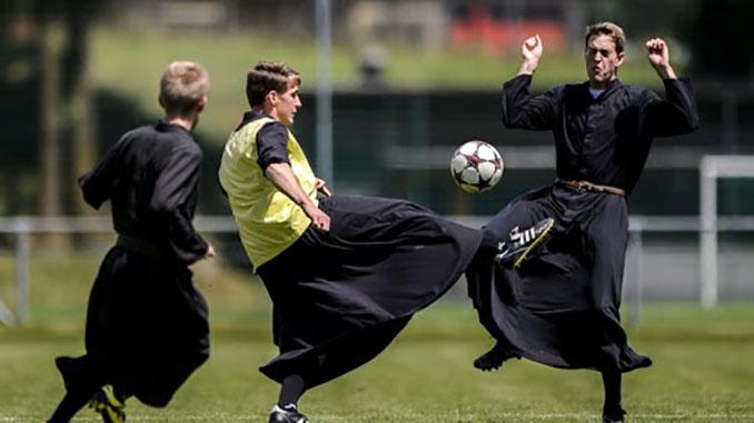 Fútbol y religión, una estrecha conexión - Odio Eterno Al Fútbol Moderno