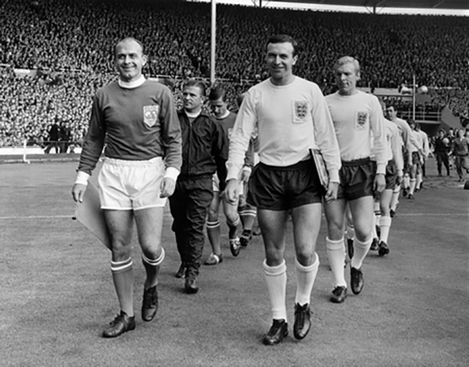 Partido Inglaterra vs Resto del mundo disputado en 1963 - Odio Eterno Al Fútbol Moderno